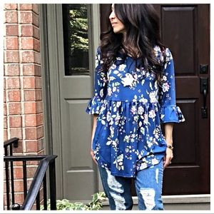 Tops - Floral ruffle sleeves loose fit top